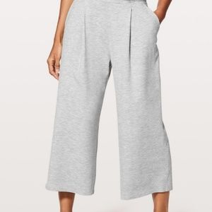 Lululemon Can You Feel The Pleat Crop Size 4 NWT